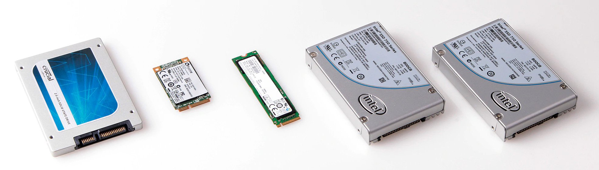 tên gọi cổng kết nối và dạng thức thường giống nhau nên bạn có thể dựa vào đó để phân biệt giữa các SSD.
