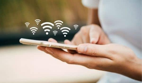WLAN là gì? Kẻ tấn công thường tìm cách làm nhiễu loạn thông tin hoặc ngắt người dùng khỏi kết nối WLAN