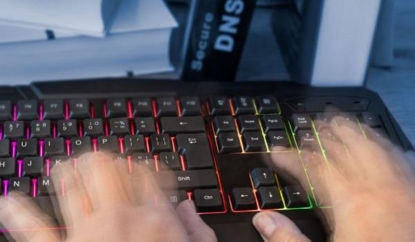 DNSSEC là gì? DNSSEC có thể được kích hoạt tại Mắt Bão
