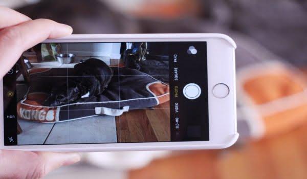 Chụp ảnh sản phẩm bằng điện thoại luôn nhớ lấy nét và cầm chắc máy